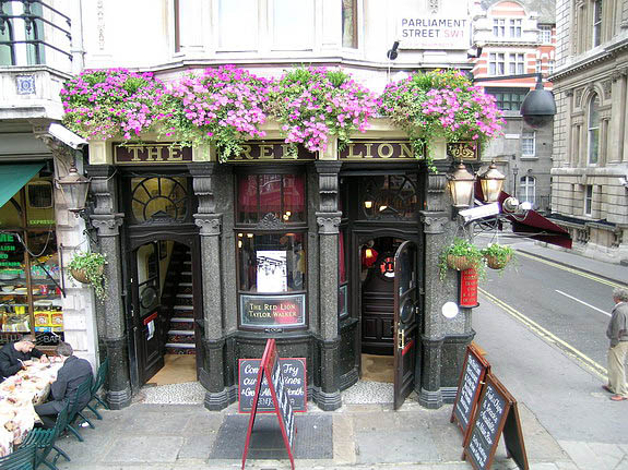 uk-london-ev-red_lion_pub-Lon_10.jpg