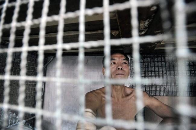 Жизнь китайцев в клетках в Гонконге Thumb_78_453509cbcc57e8555347d1db243ae01f