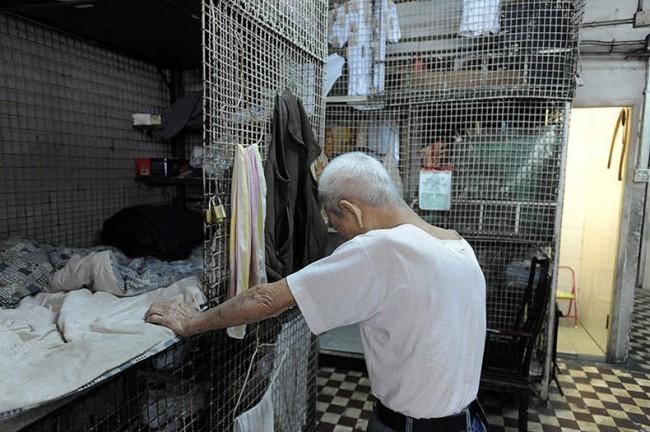 Жизнь китайцев в клетках в Гонконге Thumb_78_dadb957469b4edb9c0bd66b779015b73